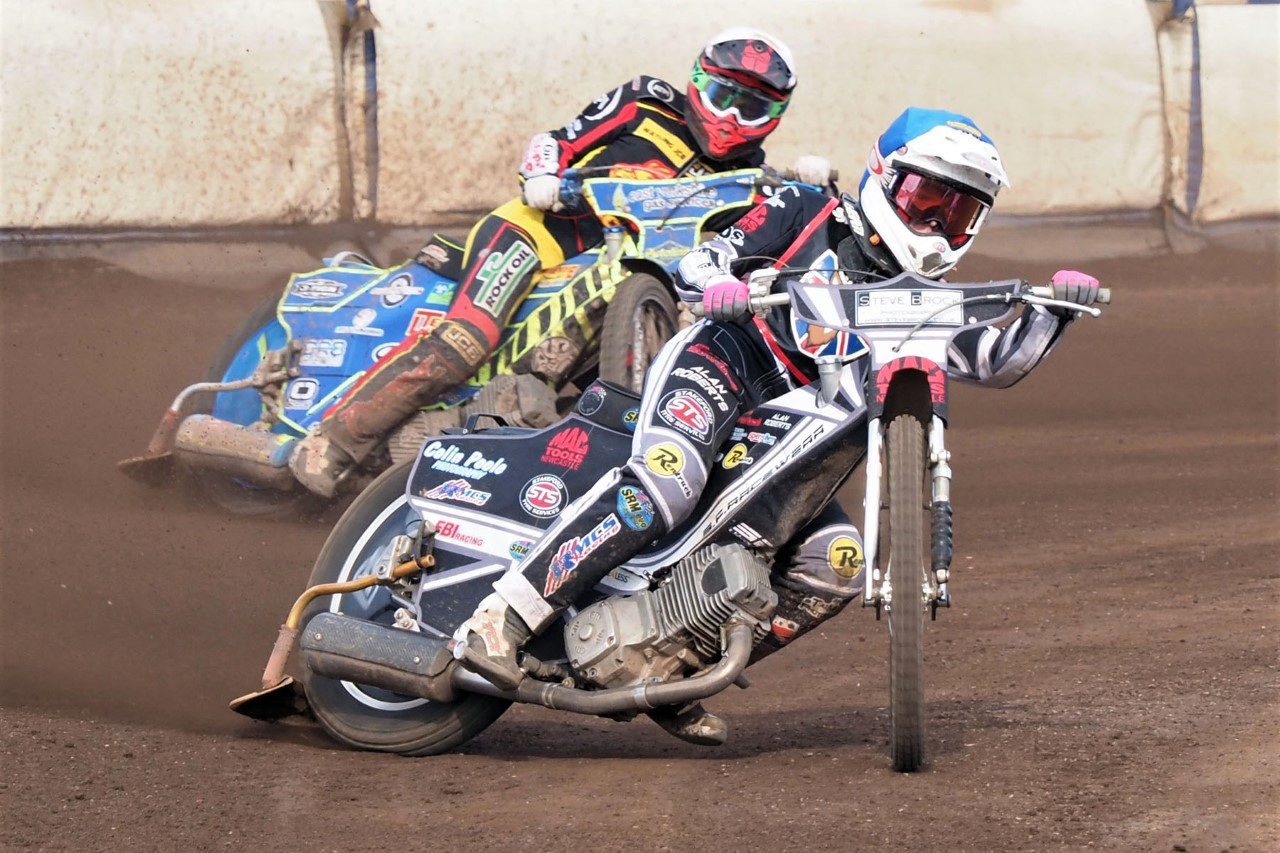 https://newcastle-speedway.co.uk/wp-content/uploads/2020/09/freeman-smith-and-booth-in-round-four-of-the-british-youth-championships-at-edinburgh.jpg